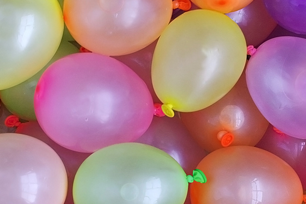 Thumbnail to Free Team Building Activity: Balloon Tower